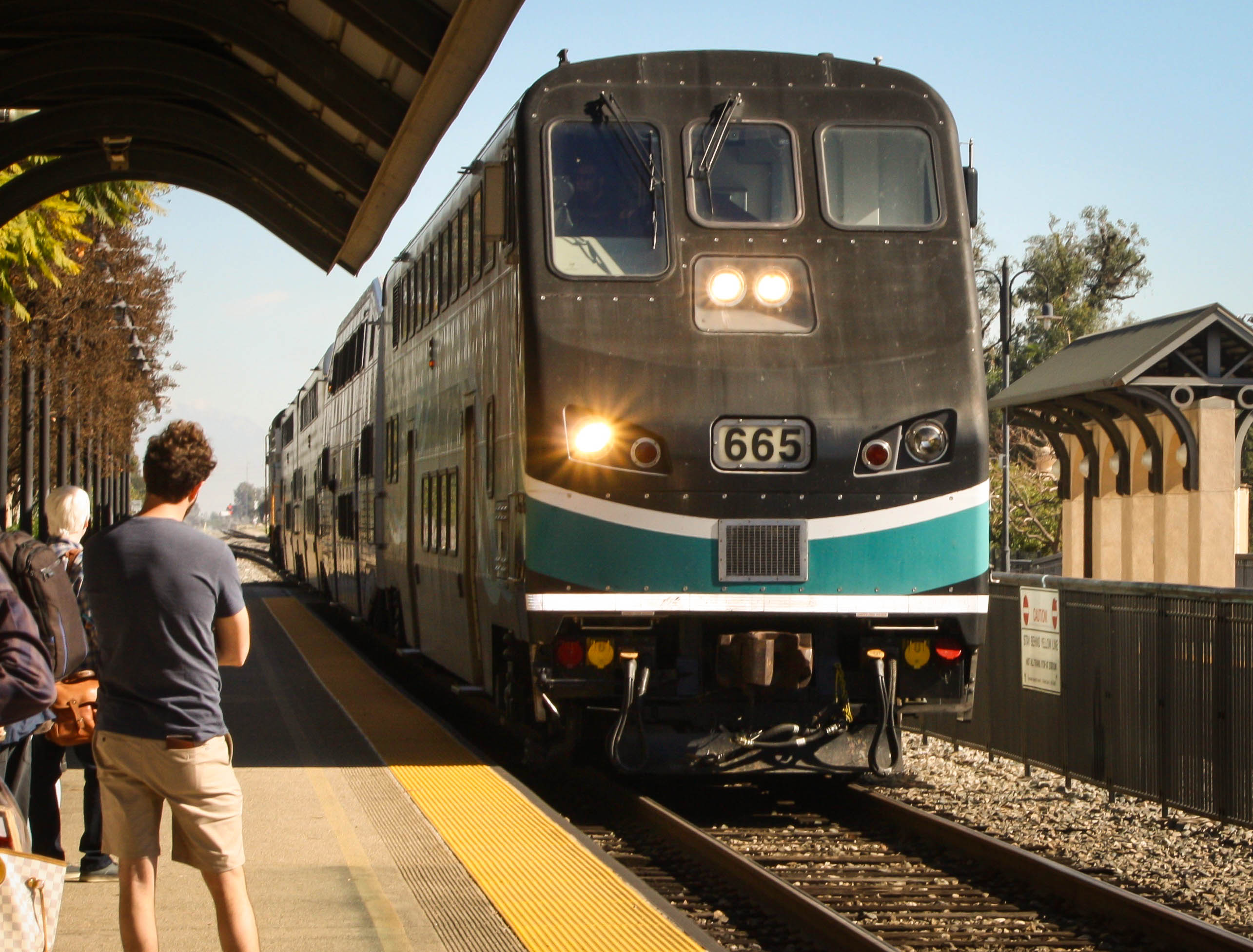 Metro Passes New Metrolink San Bernardino Line Fare Discount Program for Riders
